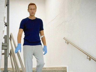 Photo postée le 19 septembre 2020 par Alexeï Navalny sur son compte Instagram, le montrant dans un hôpital à Berlin - Handout [Instagram account @navalny/AFP/Archives]