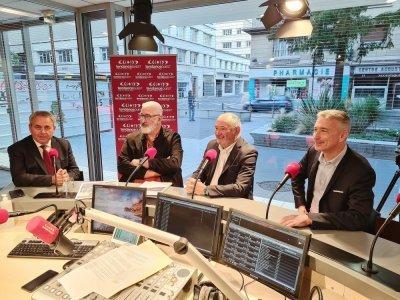 Xavier Bertrand a répondu également aux questions et aux inquiétudes de trois auditeurs.