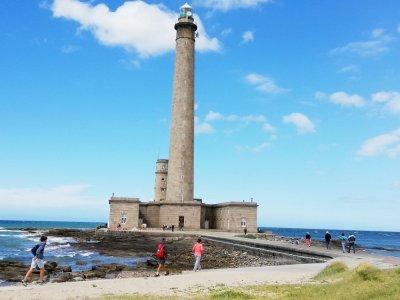 Le phare qui domine le Raz de Barfleur est l'un des plus beaux et des plus hauts de France.