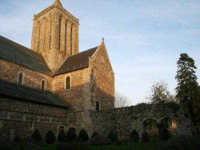 L'abbaye de La Lucerne-d'Outremer, entre Granville et Avranches, fait partie des incontournables.