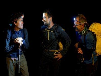 David Labarre, entouré des guides pyrénéens Morgan Périssé (à gauche) et Fred Talieu - VALENTINE CHAPUIS [AFP]