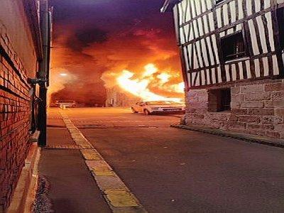 Un incendie s'est déclaré dans un appartement de la rue Caron à Rouen. - Sdis 76