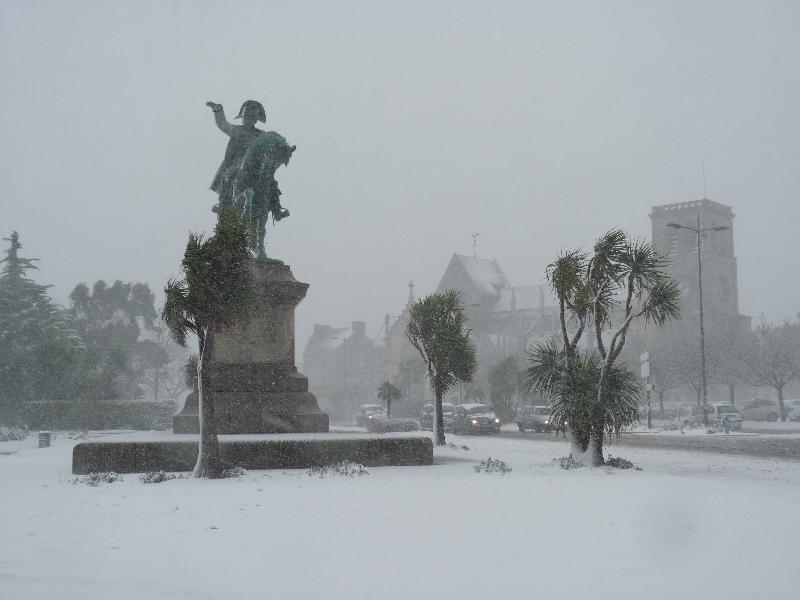 Napoléon ne rompt pas sous la neige. - Caradec