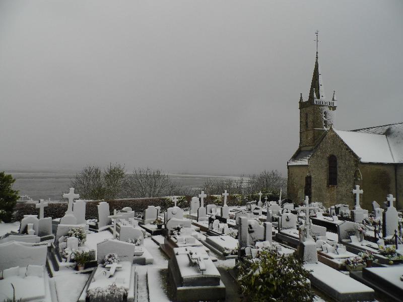 L'église de Liesville-sur-Douve, près de Sainte-Mère-Eglise. - Roptin
