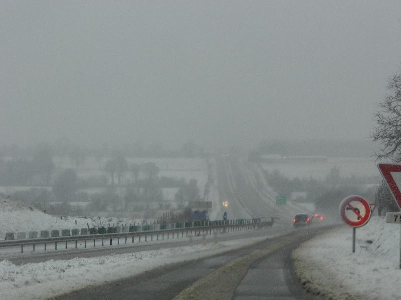 Une sortie de la N13, vers Sainte-Mère-Eglise, direction Carentan. - Roptin