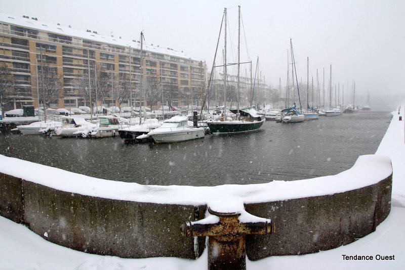 Port de Caen. Mardi 12 mars 2013.