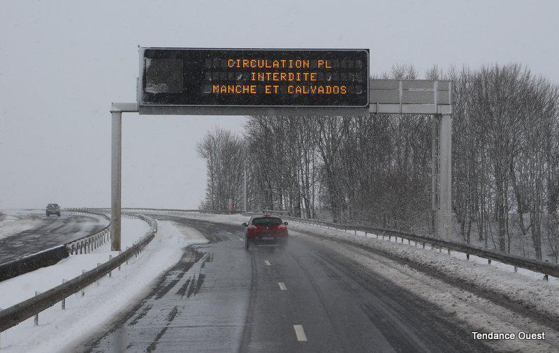 Le périphérique de Caen fermé à partir du milieu d'après-midi. Mardi 12 mars 2013.