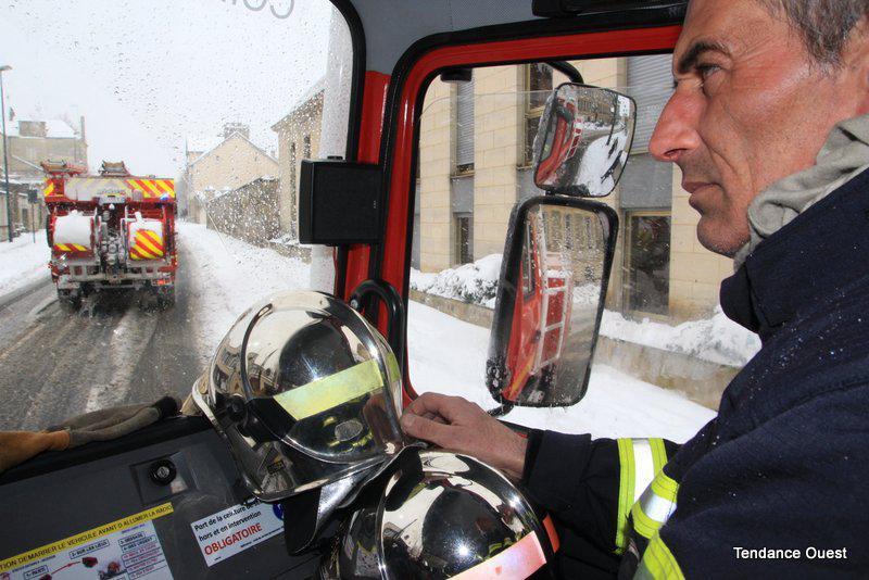 Pompiers en intervention à Caen. Mardi 12 mars 2013.