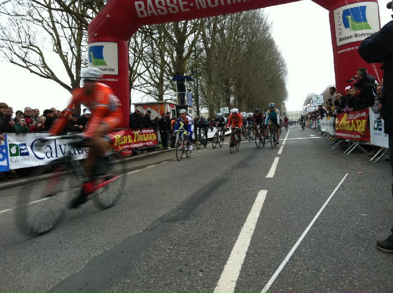 La derniere étape est remportée au sprint par Tino Tômel - Claude Carlin