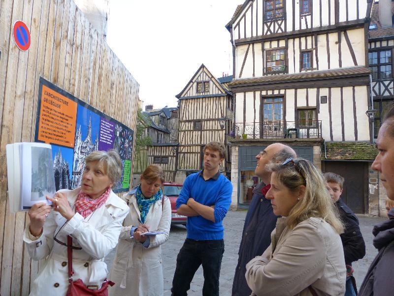 L'Office de Tourisme de Rouen organise des visites guidées sur les traces des peintres impressionnistes Monet et Pissarro.