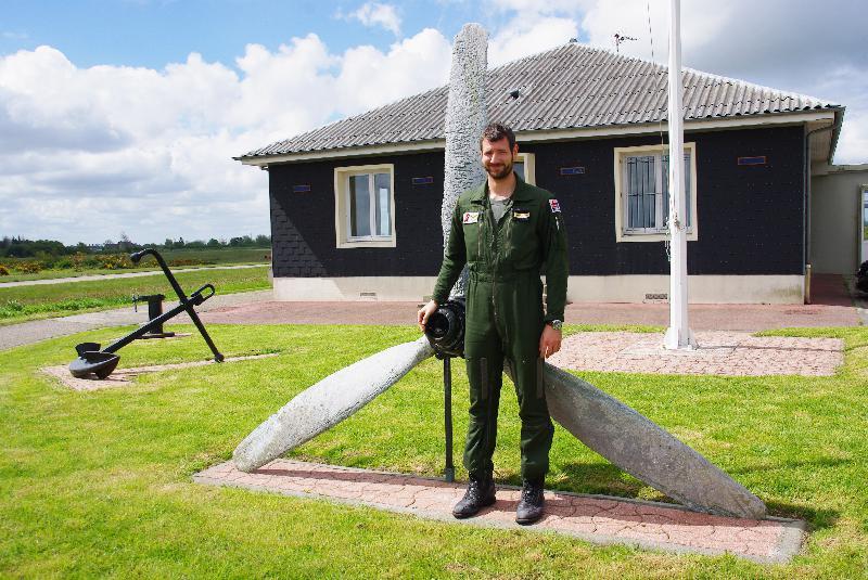 Nicolas Gross vit environ 2 semaines par mois au détachement de Maupertus. - Célia Caradec