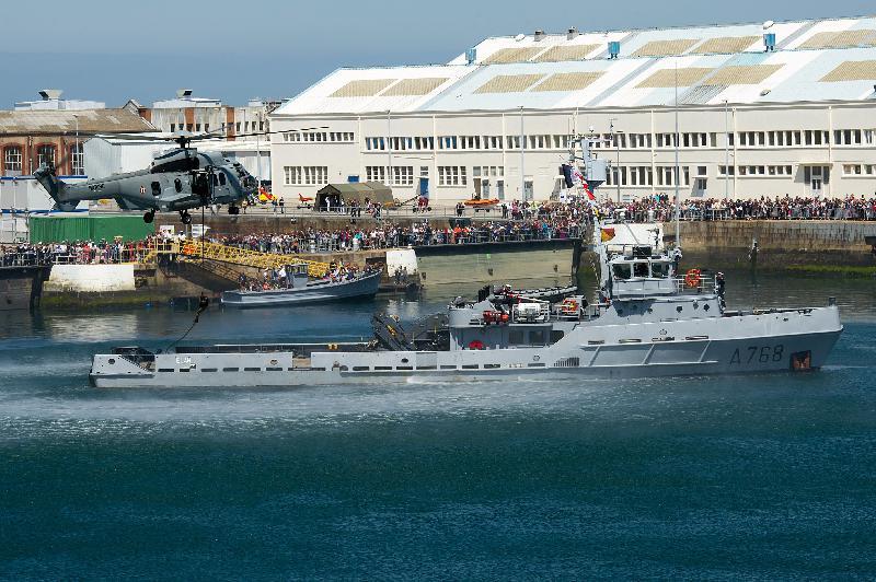 L'EC-225 a résonné dans la base navale... et sur les ondes de Tendance Ouest ! - Bruno Planchais - Marine Nationale