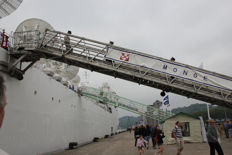 Le Monge, navire militaire française, l'une des stars de cette Armada 2013