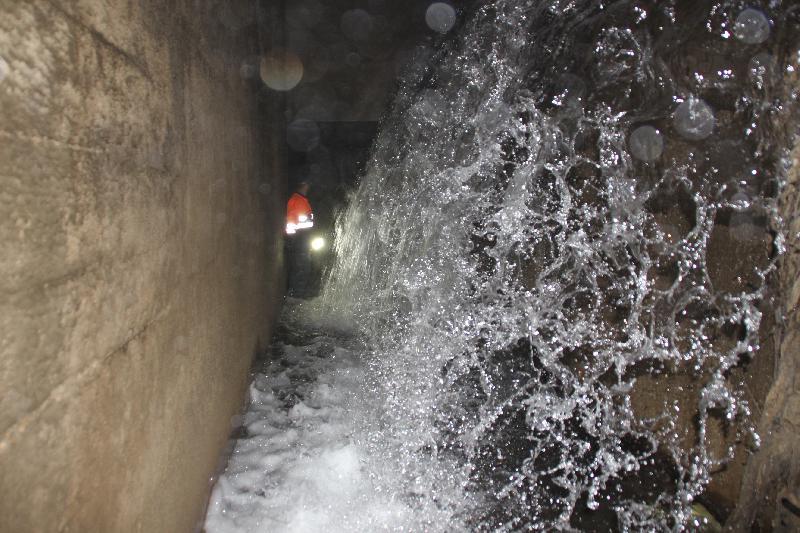 """La """"cascade"""" de délestage du Robec, au niveau du Moulin de la Pannevert"""