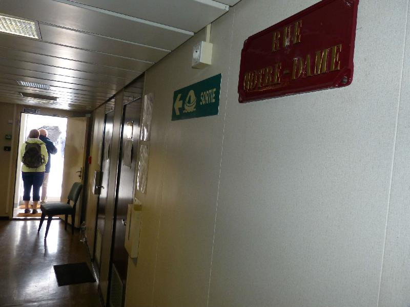 Les couloirs ont des noms de rue de Beaune.