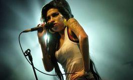 Une statue d'Amy Winehouse d�voil�e � Londres